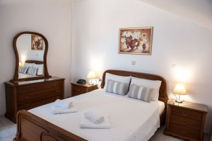 Family 1 Space Rooms Mountain View, Golden Beach hotel: Larissa hotels Agiokampos rooms beach