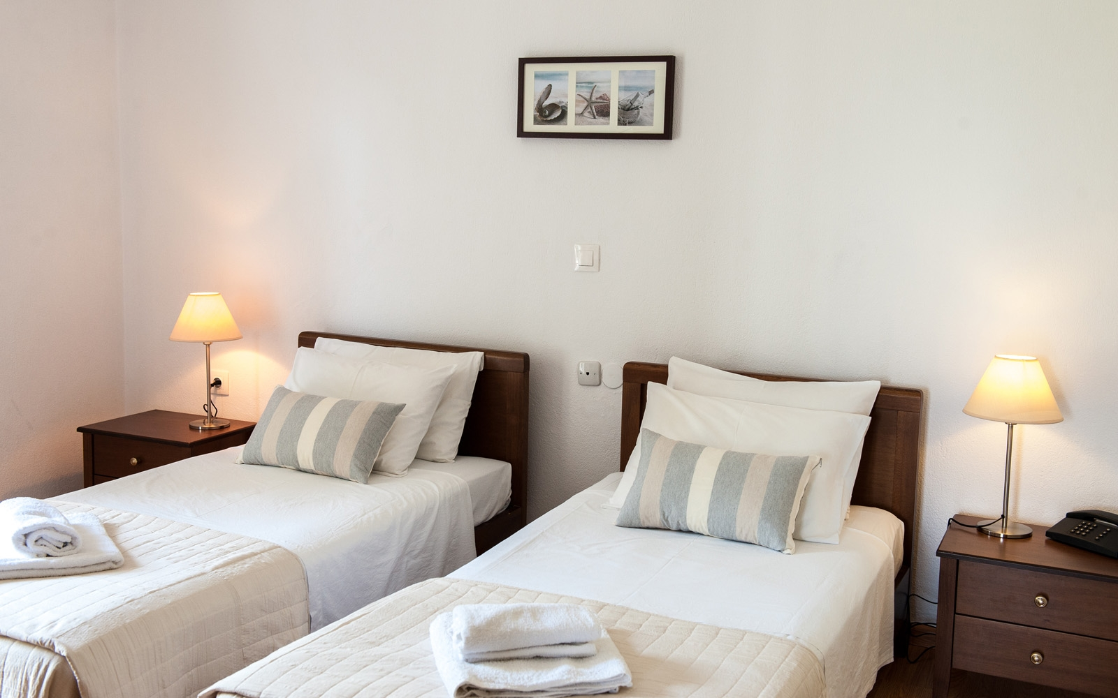 Twin Room  with two single beds - Mountain View